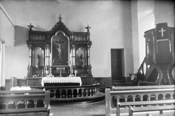 Interiøret i kirken fra 1880-tallet, foto ca. 1930. Foto: E.B. Oppi/Oslo Museum.