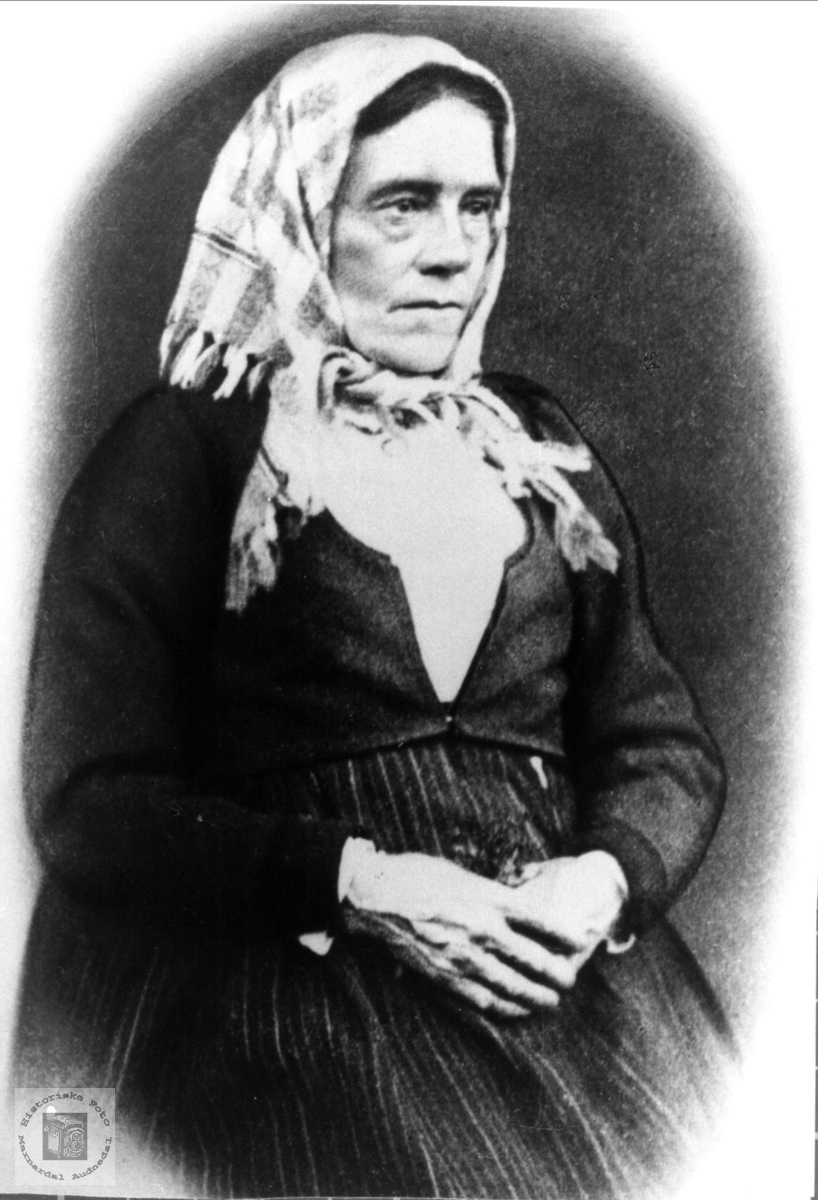 Portrett av Mari Grindland gift Skjeggestad, senere Sundet, Bjelland.