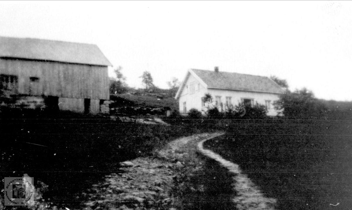 Setehus og driftsbygning på Kleiven i Laudal.
