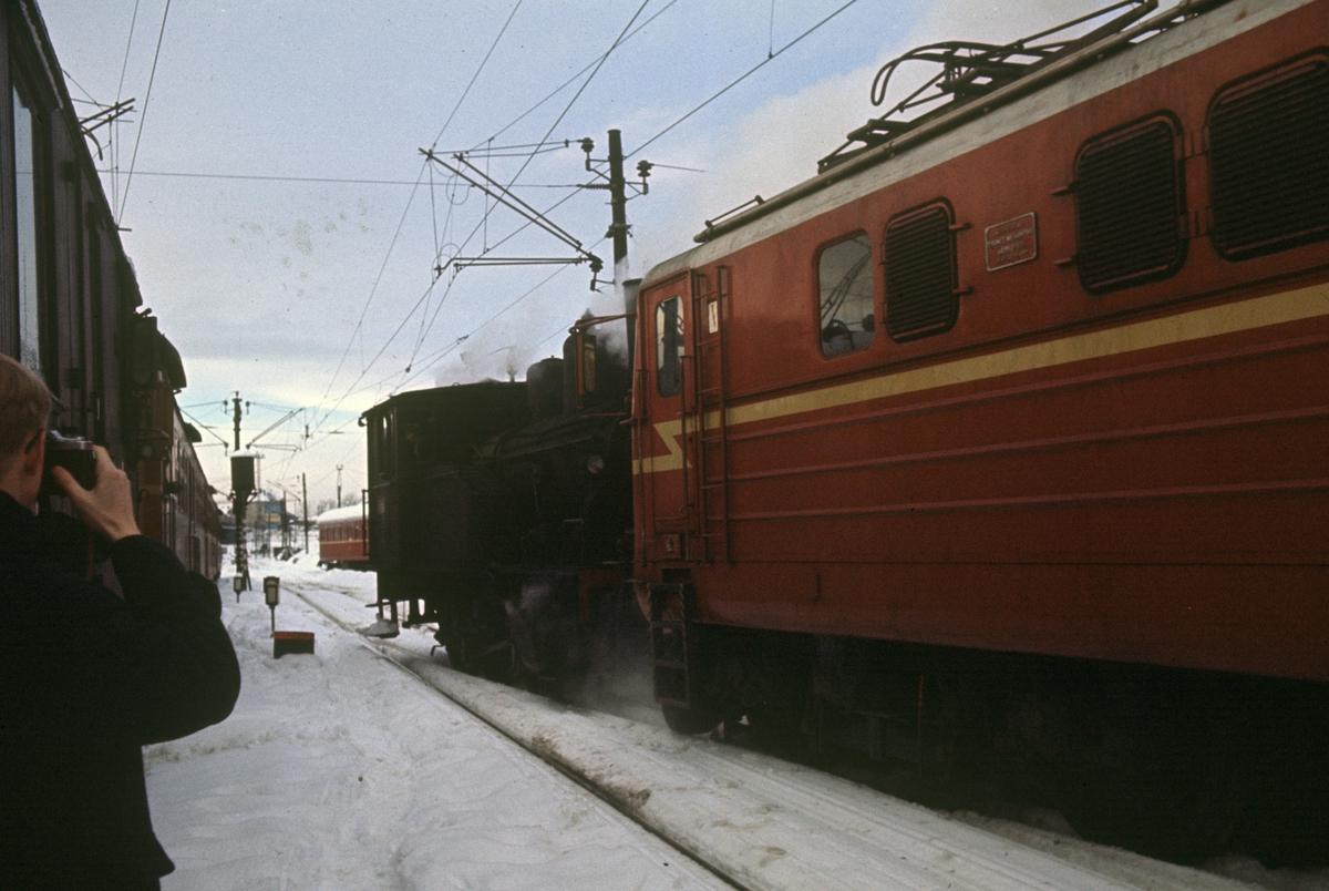 Skifting foran Gamlestallen i Lodalen med damplok type 23b.