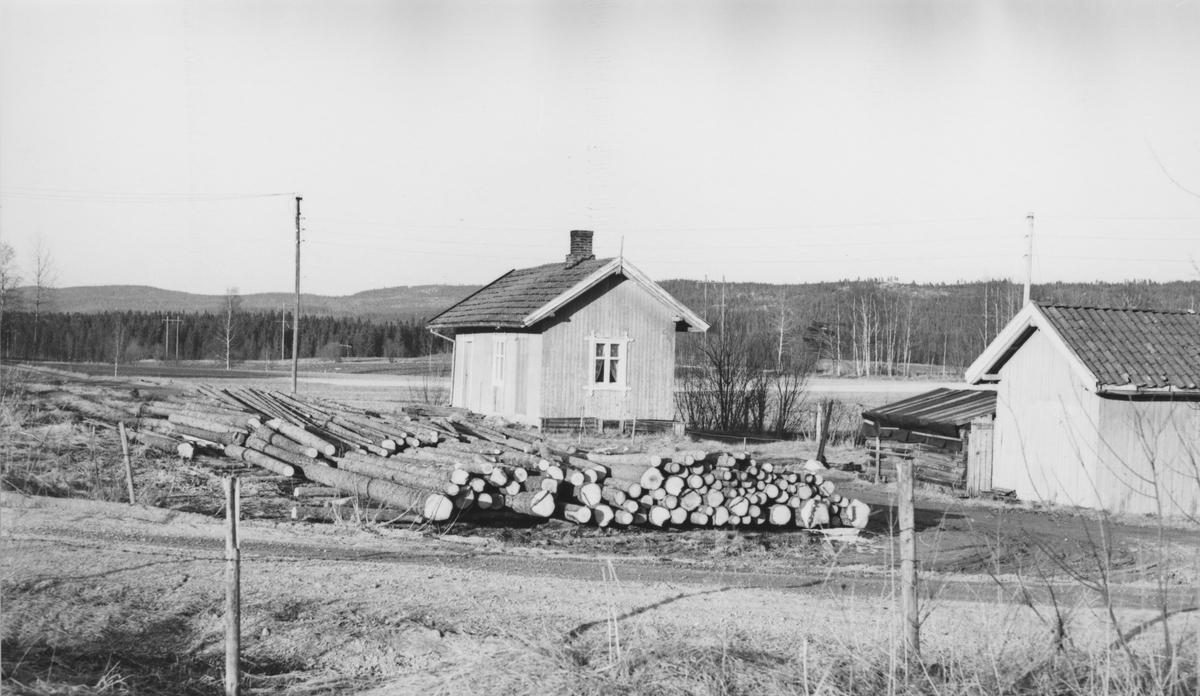 Fra Hornåseng stasjon noen år etter nedleggelsen.