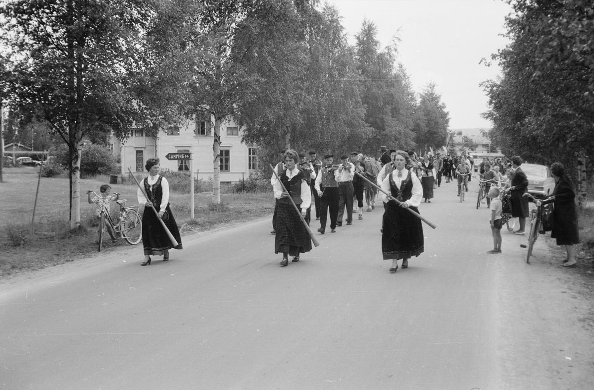 Opptog i forbindelse med Skogbruksutstilling 28.06.1963. Elverum.