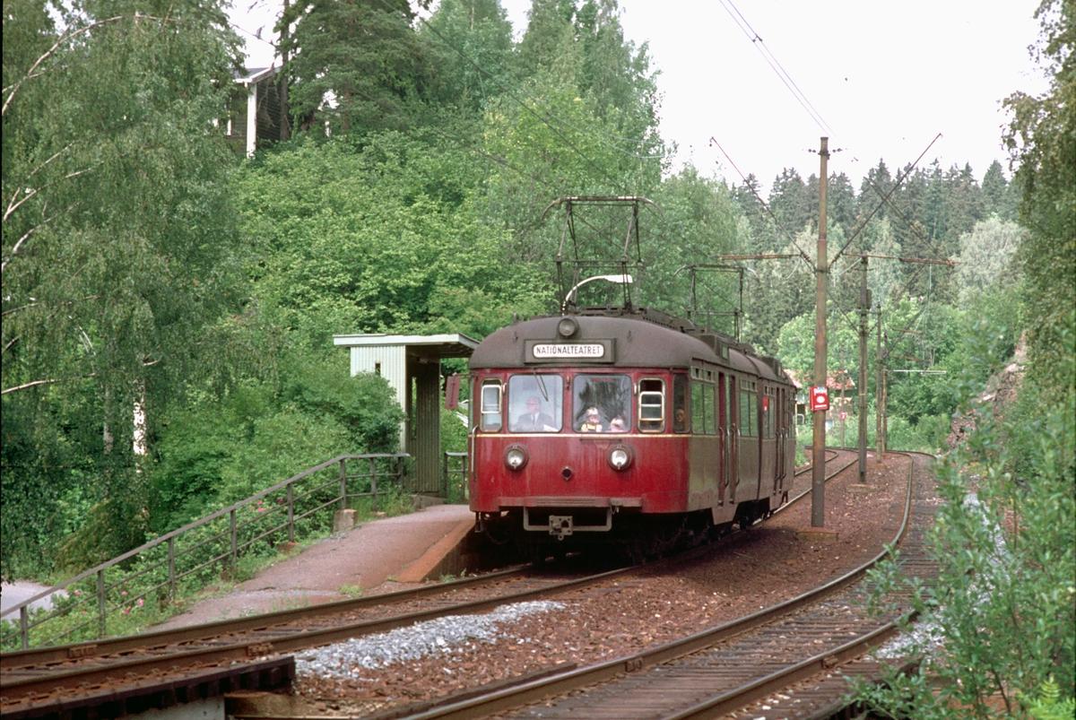 A/S Holmenkolbanen. Sognsvannsbanen. Østhorn. Vogn 501, type 1946. (Skabo, NEBB)
