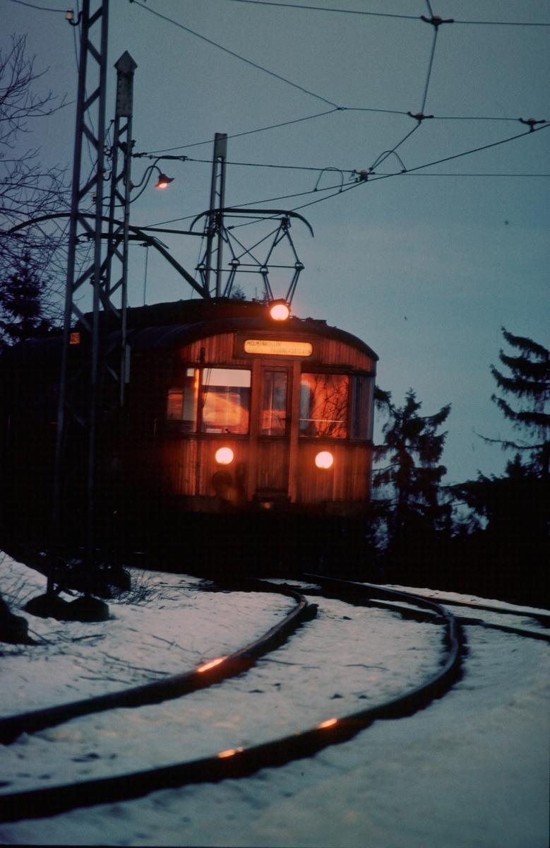 A/S Holmenkolbanen. Tryvannsbanen. Vogn av type 1951 (601-612)