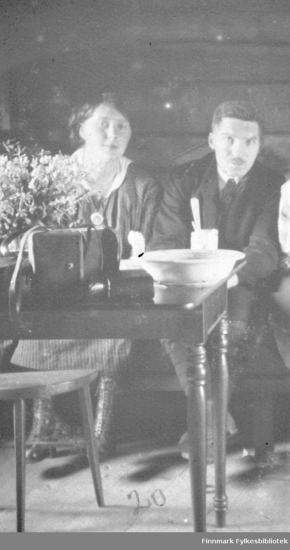 I Beddaris hytte, Svanvik juli 1918