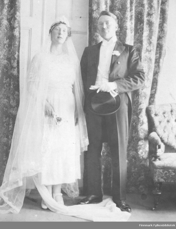 Brudeparet Hildur Norvik og Jakob Laurits Bredrup. De giftet seg 8.10.1921