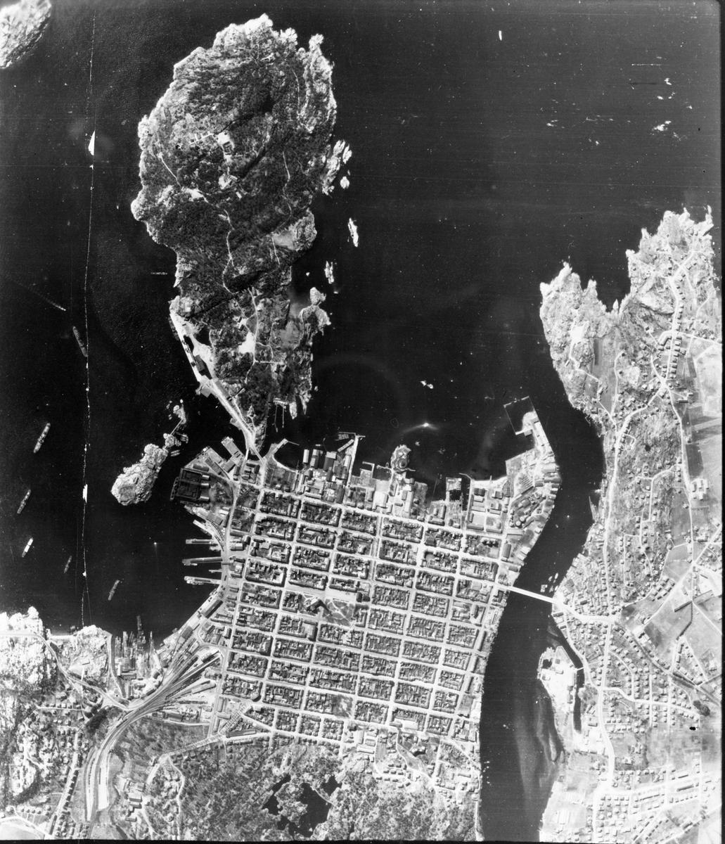 Motiv: Odderøya fort. Luftfoto 2. mai 1942.