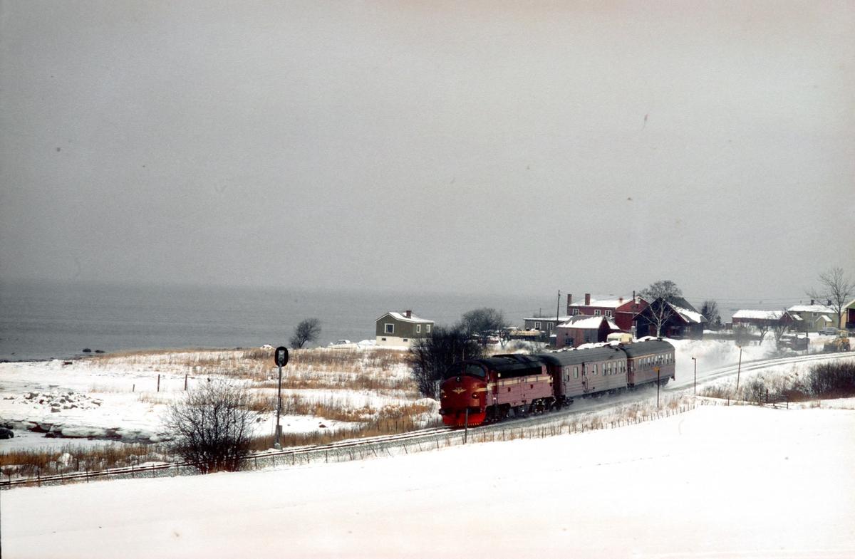 Persontog 424 fra Stockholm til Trondheim ved Være.
