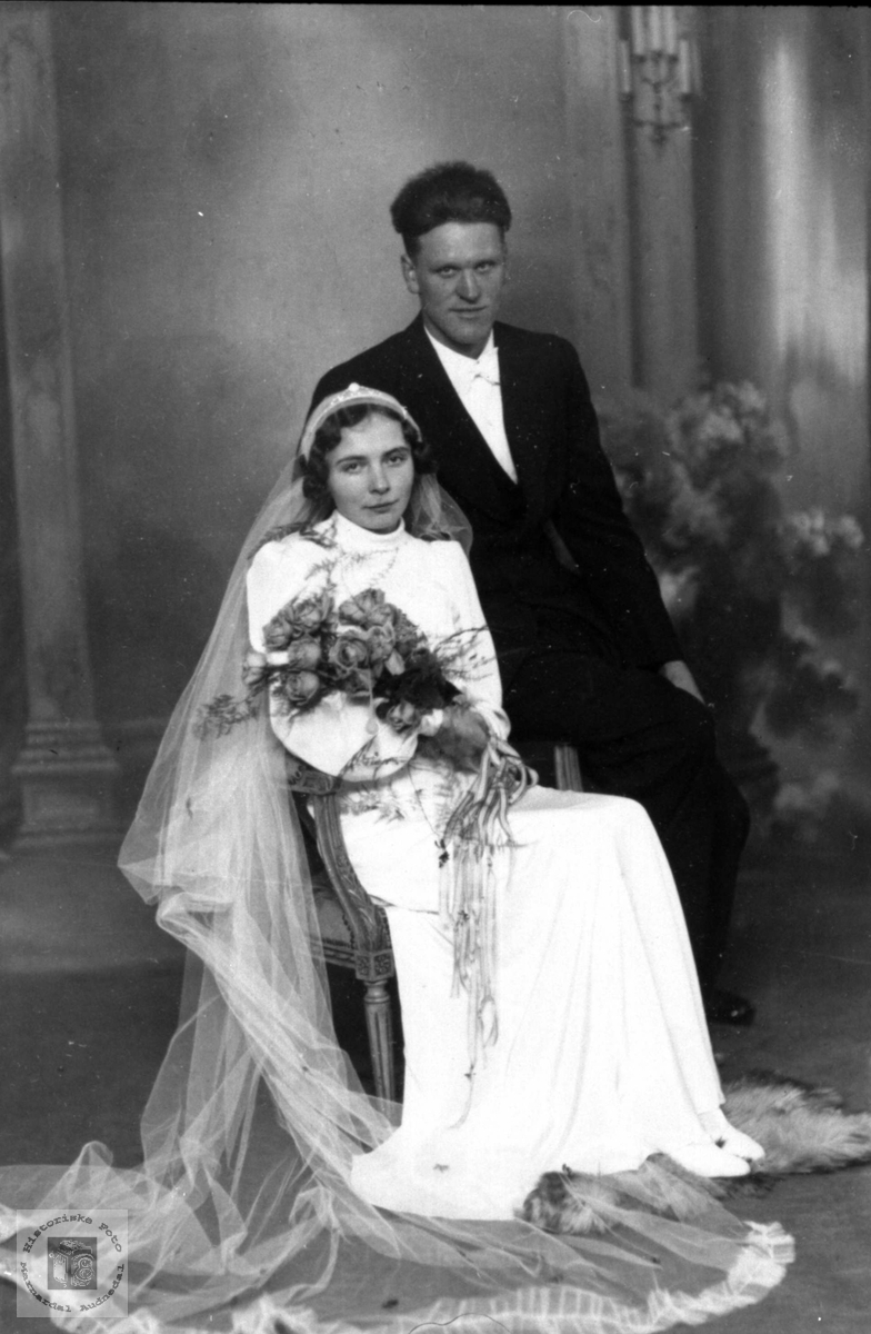 Brudeparet Magnhild og Simon Bjørnestøl