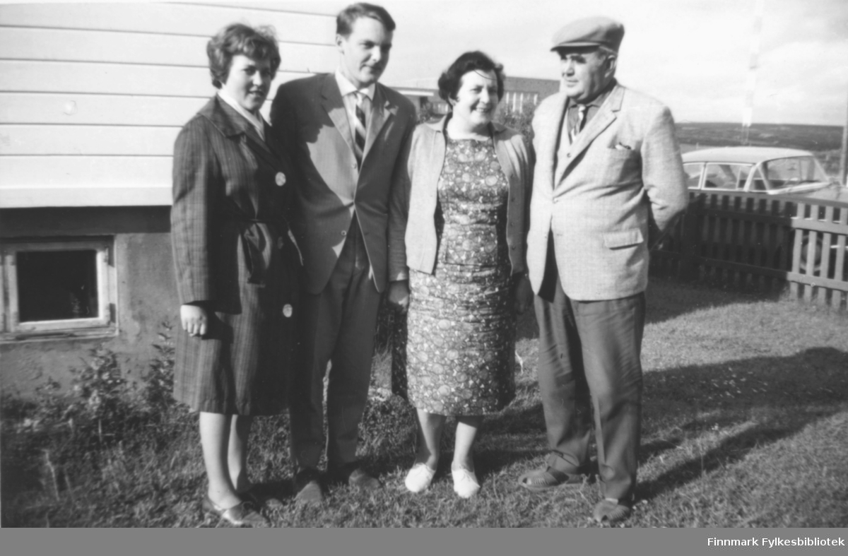 Familien Buob på besøk i Vadsø 1960. Fra venstre: Anne-Kat., Bjørn, Gunvor og Konrad Buob