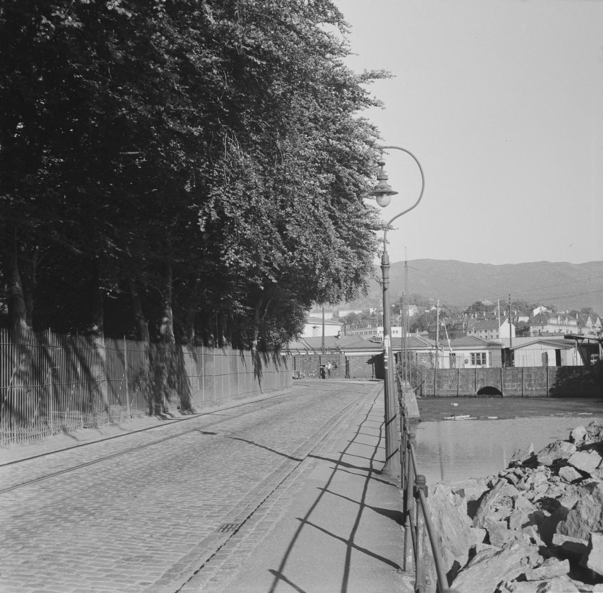 Gammel gatelykt i Bergen
