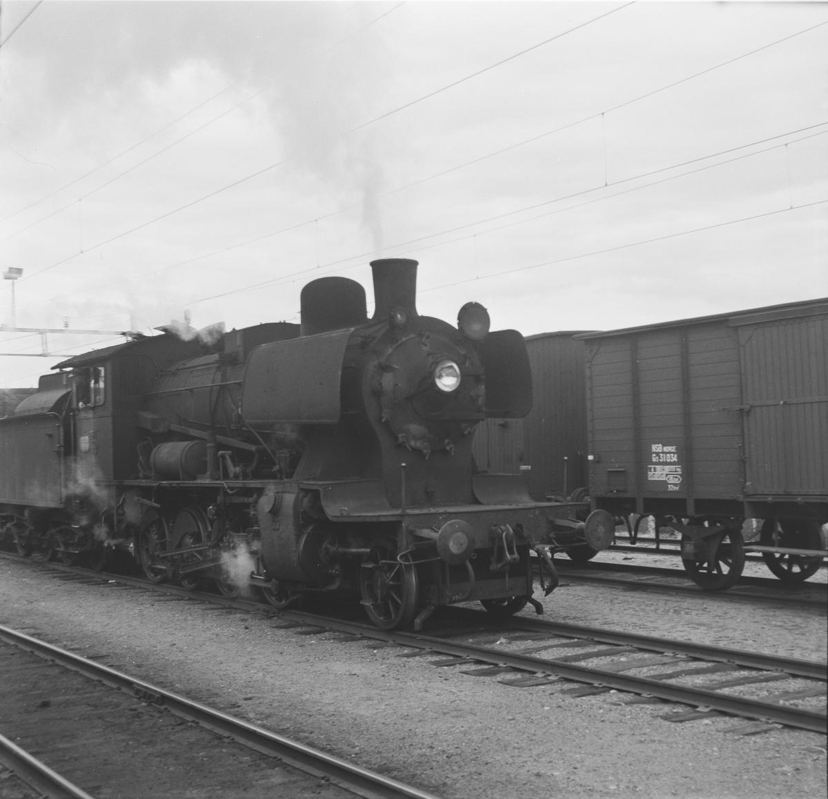 Damplok 24b 264 på Eina stasjon.