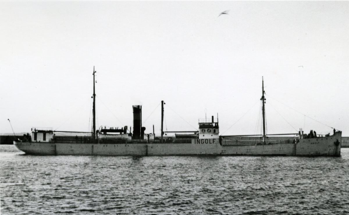 Ägare:/1936-51/: Rederi AB Ingolf. Hemort: Kivik.