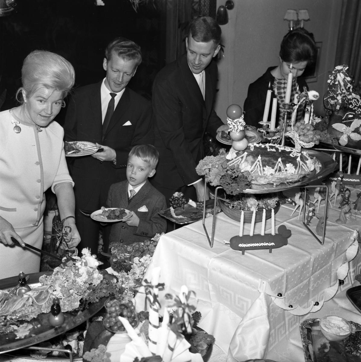 Julbord på Industrihotellet i Huskvarna på 1960-talet.
