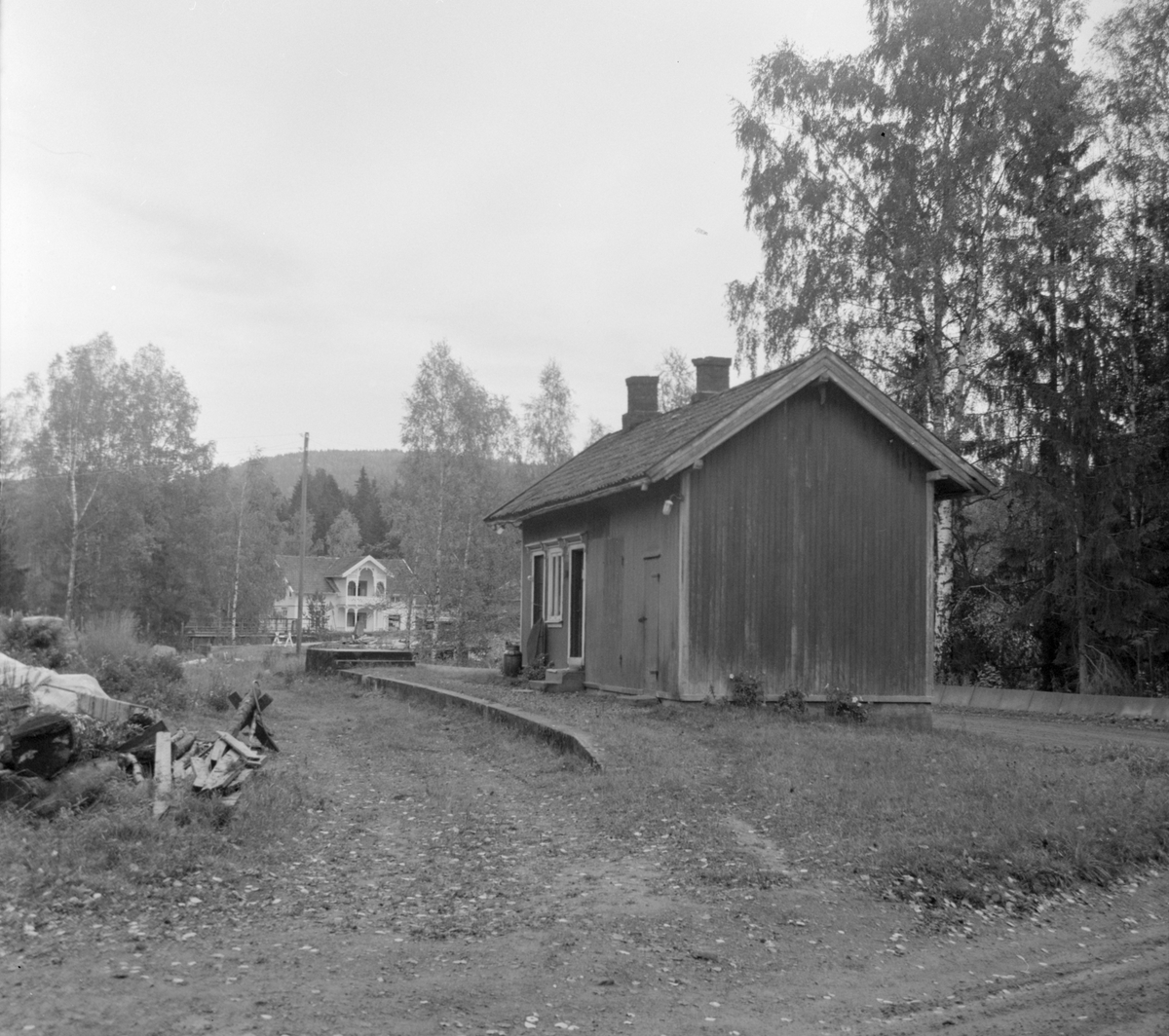 Kopstad stoppested på nedlagte Tønsberg-Eidsfossbanen. Bygningen ble revet i 1972.