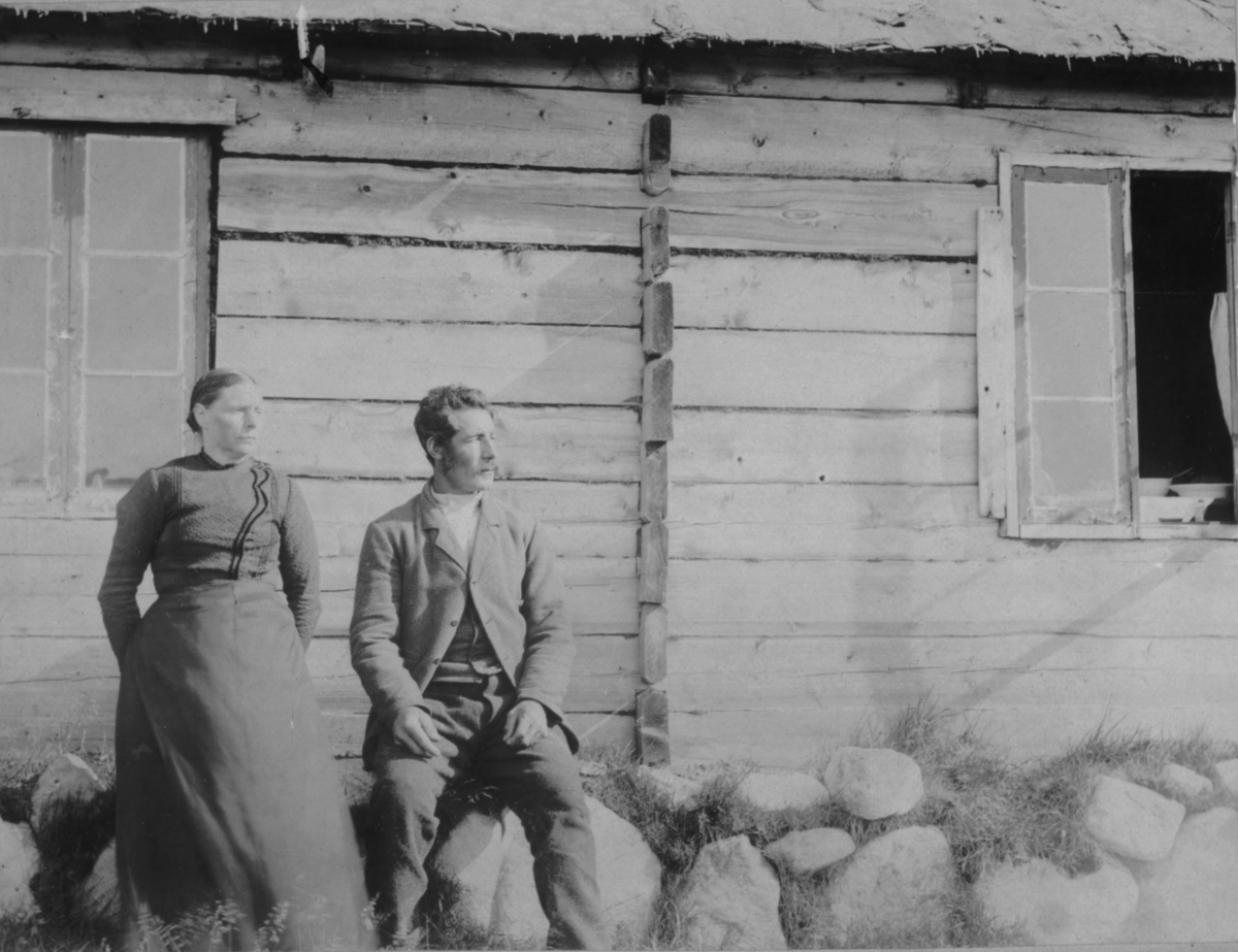 Ingebrigt Hesenget med frue. Tårnet 1905.