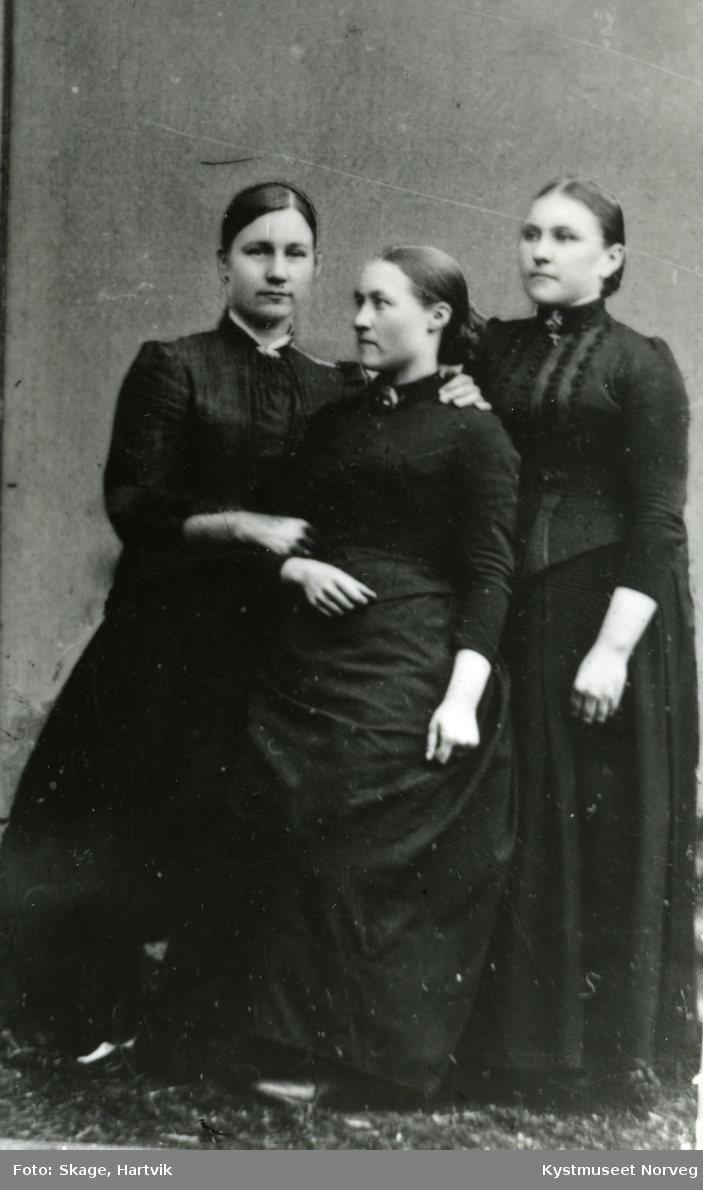 Emelie ?, Elen Skage og Margrethe Strand