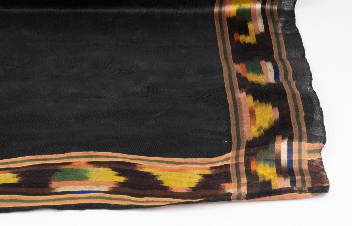 Silke, Veving.  Kvadratisk Svart, gult, grønt, rosa, mørke blått.
