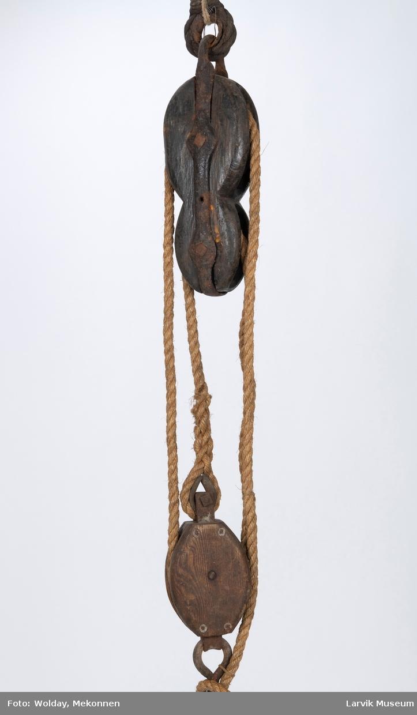 Fiolblokk av tre m. jernstropp, 2 skiver