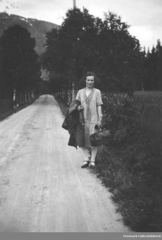 Astrid Mikkola i Mosjøen (Vefsn kommune i Nordland). Hun jobbet hos urmaker Jensen en stund.