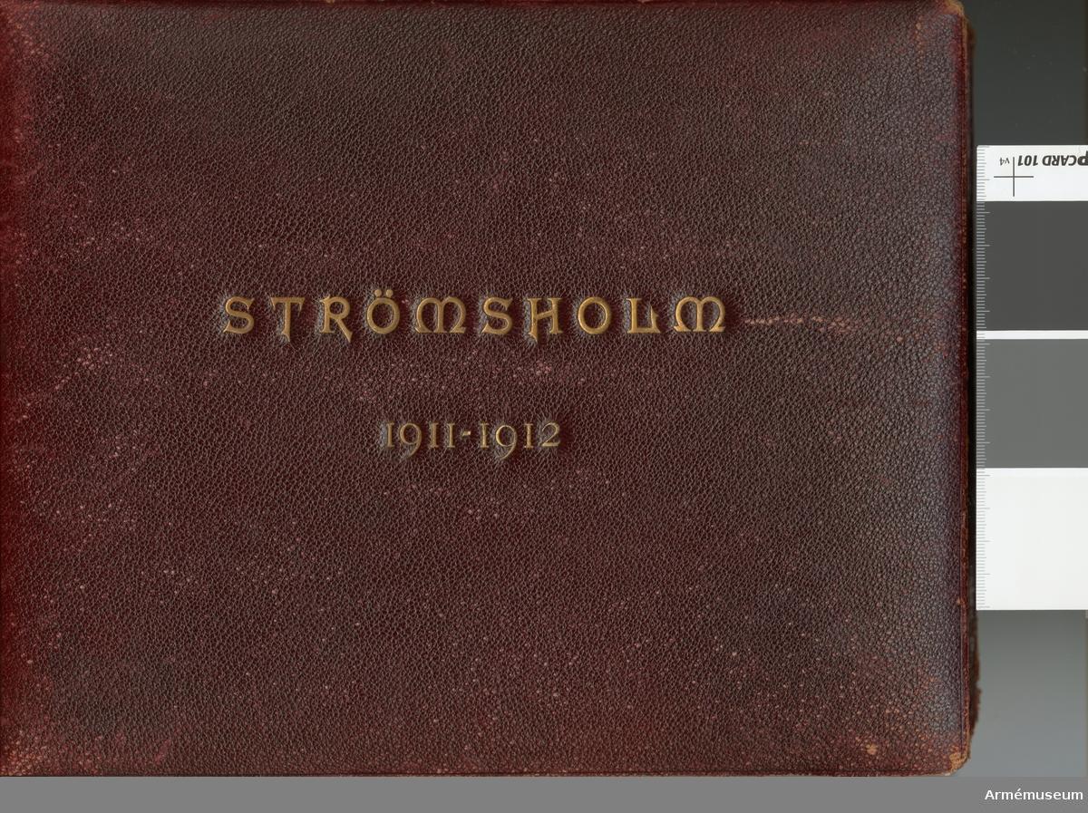 Fotoalbum med bilder från Ridskolan på Strömsholm åren 1911-1912.
