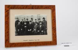 Personale ved Den Kongelige Mynt fotografert i Myntgården 17