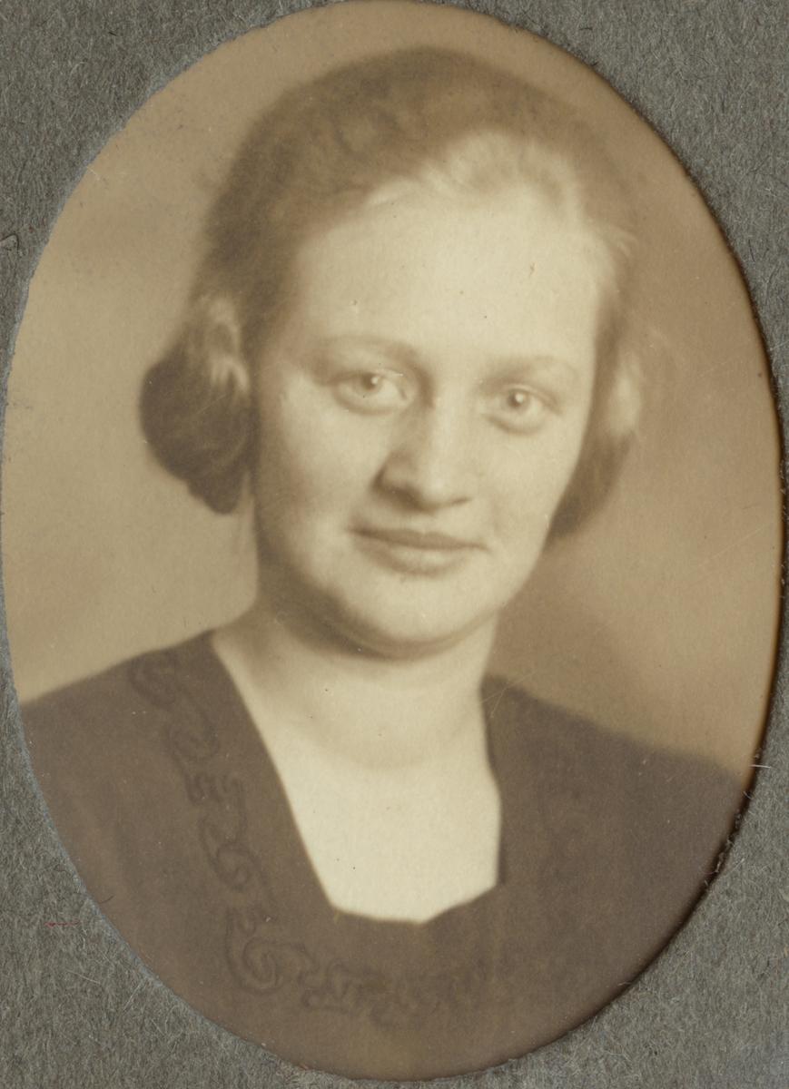 Beda Syrén (Rys). Ur album Kurskamrater som delade ljuvt och lett, på Telegrafkursen i Stockholm 1920.
