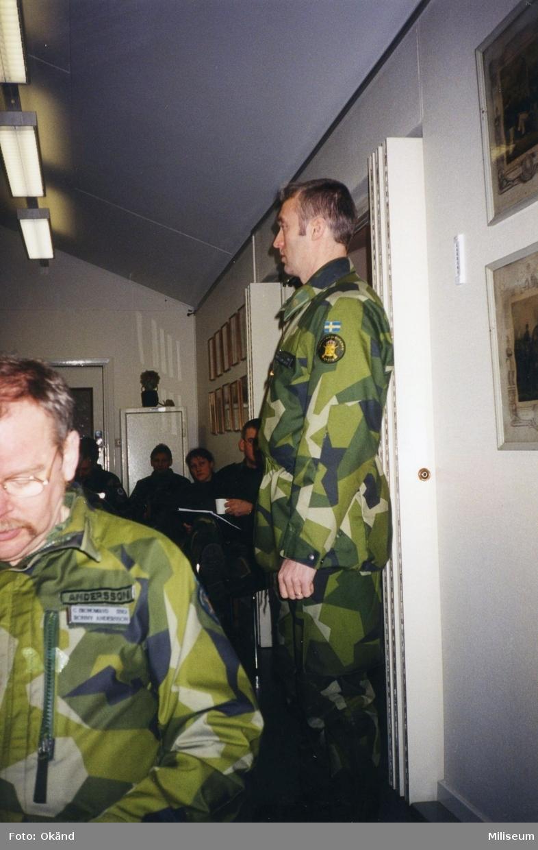 Ronny Andersson, I 12, sittande och Per Sandgren, I 12, stående.