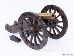 Modell av 4-pundig regementskanon