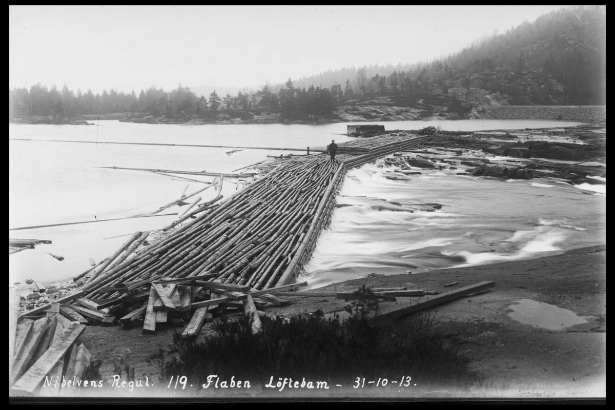 Arendal Fossekompani i begynnelsen av 1900-tallet CD merket 0446, Bilde: 30 Sted: Flatenfoss Beskrivelse: Løftedam