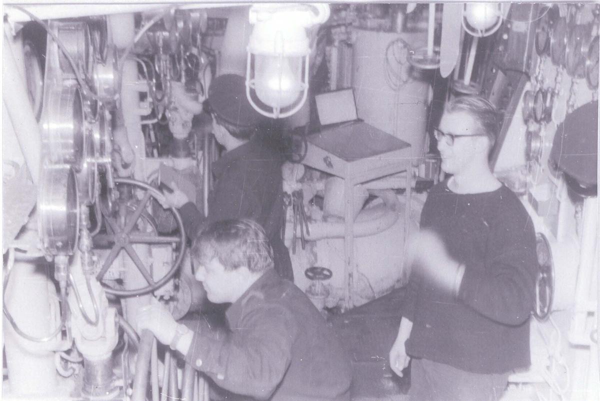 Enkeltbilde. Fra maskinrommet på C-kl jager KNM Oslo. ca 1960.
