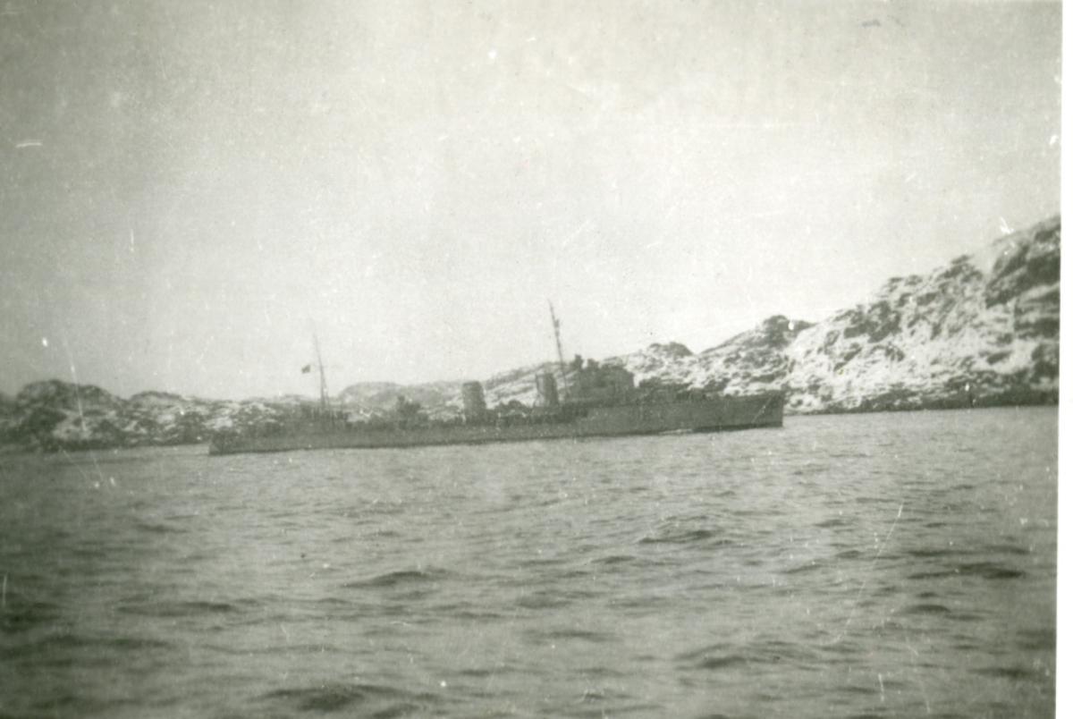 Album Fra Horten/Karljohansvern 1904- 1945 Engelsk jager i Gjøssingfjorden.