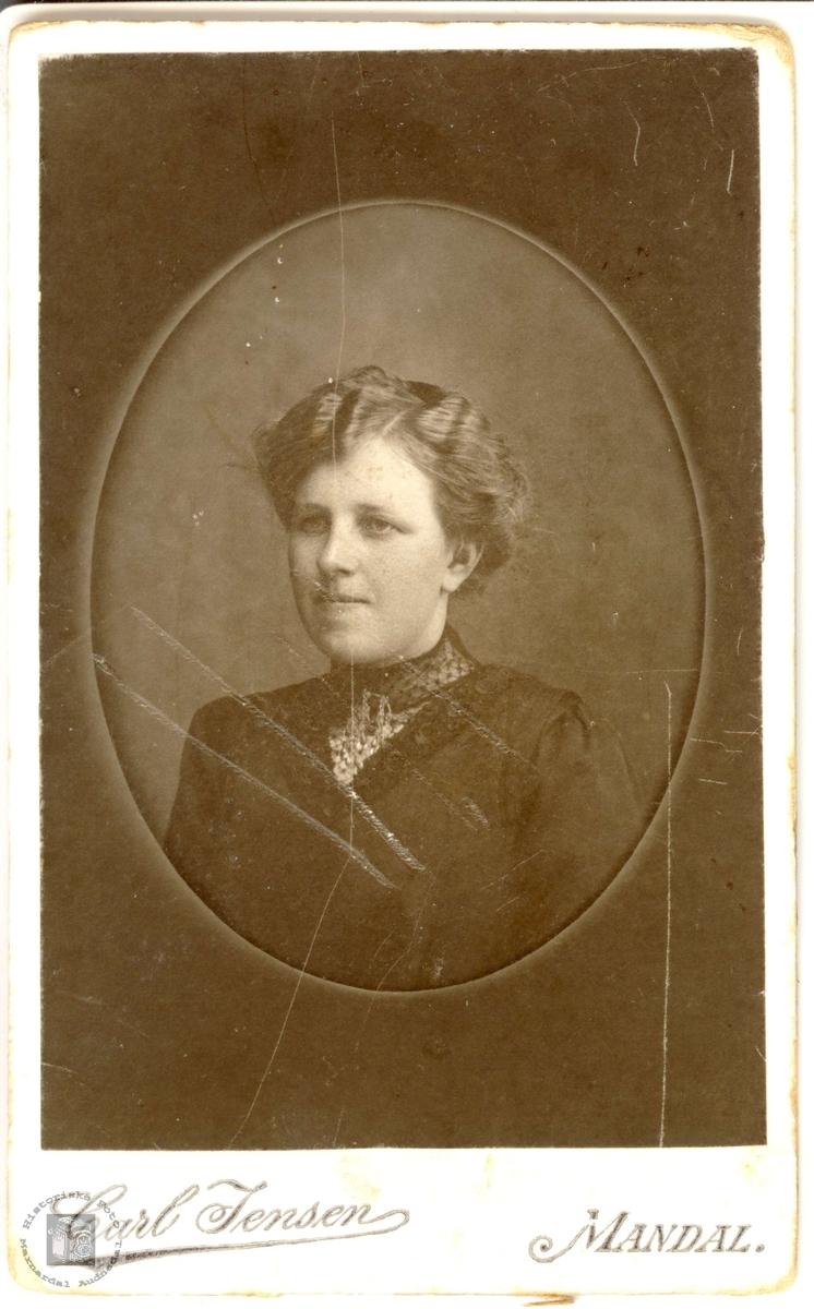 Portrett av Kirsti Ågedal, Bjelland.