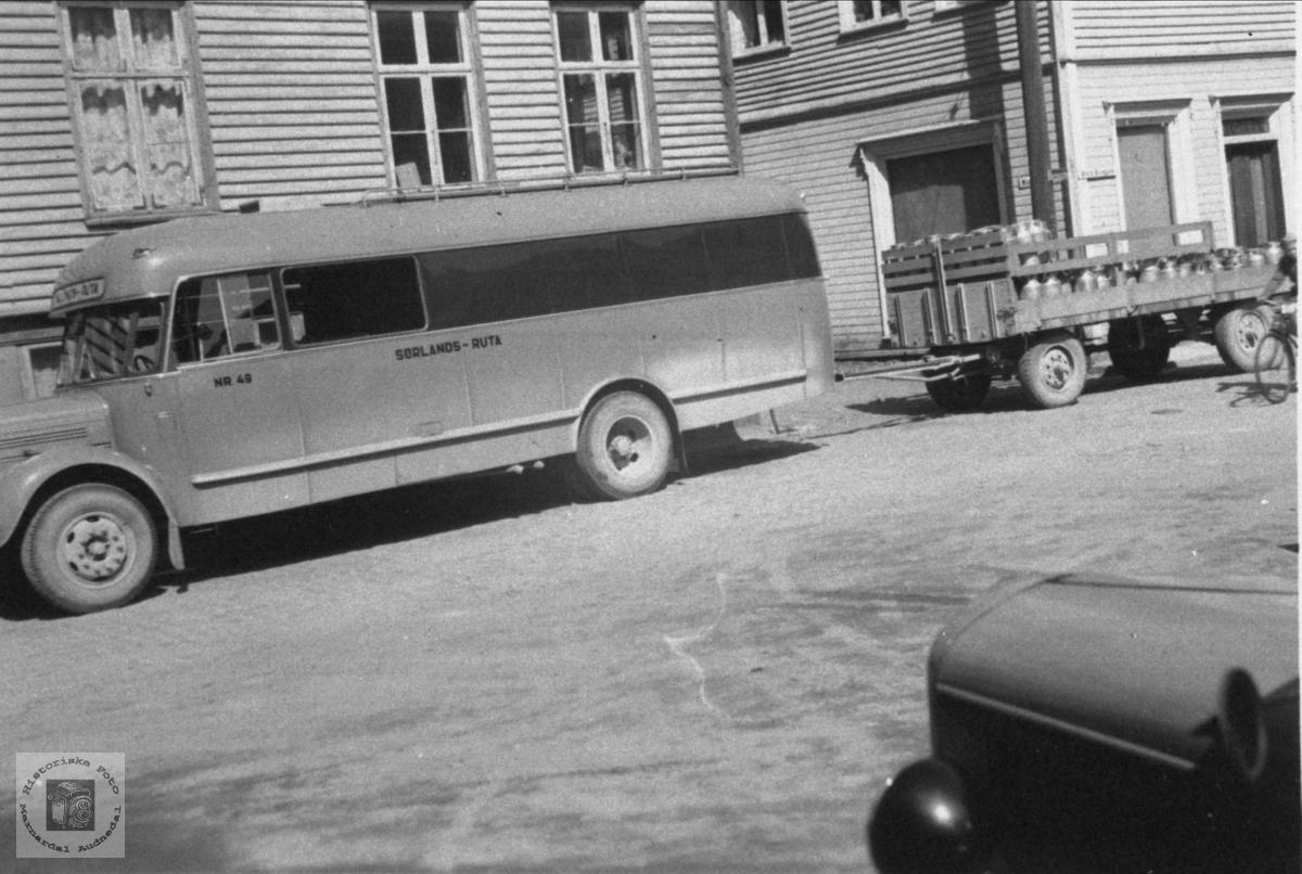 Kombinert person og varebilbuss Konsmo-Laudal-Mandal.