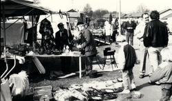 Södra Unnaryds sn. Marknad i Södra Unnaryd, 12 April 1989. T