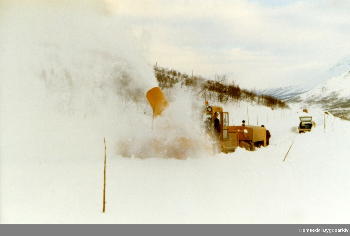Ny fres skal i arbeid på Hemsedalsfjellet i 1967.