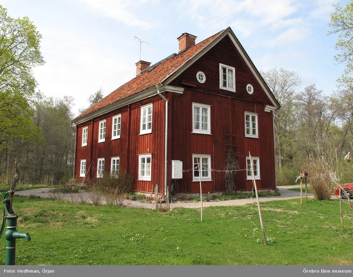 Kvarnmästarbostaden, Ånsta 20:252. Inventering av Karlslunds byggnader.Bilder till rapporten. Dnr: 2011.250.050