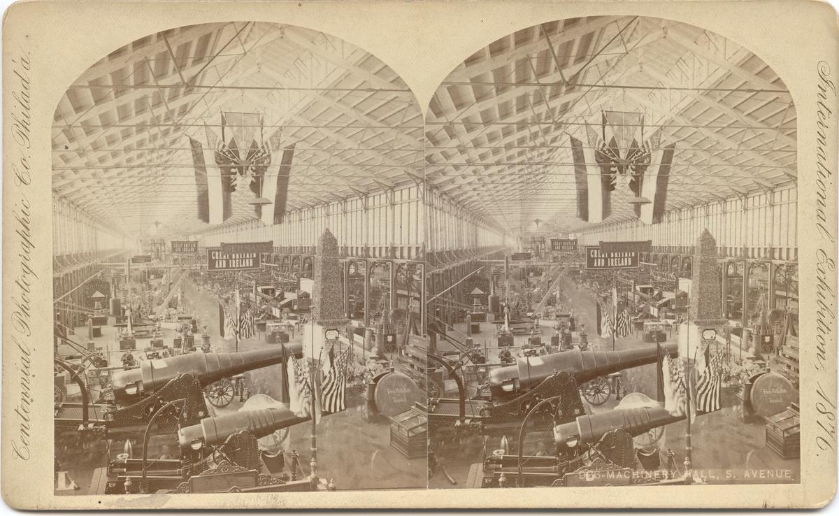 Stereobild med motiv av södra maskinhallen vid Världsutställningen i Philadelphia 1876.
