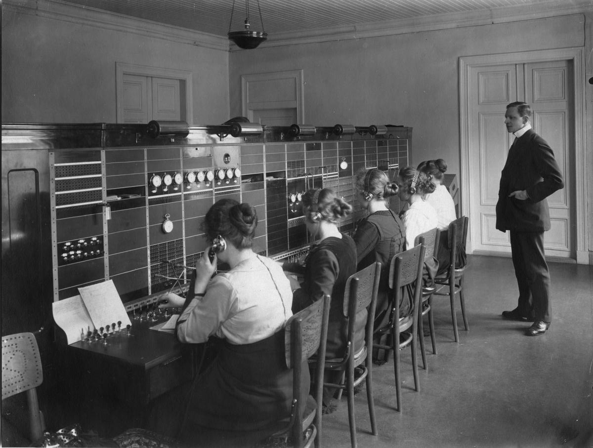 Telefoncentralen i Piteå 1919.