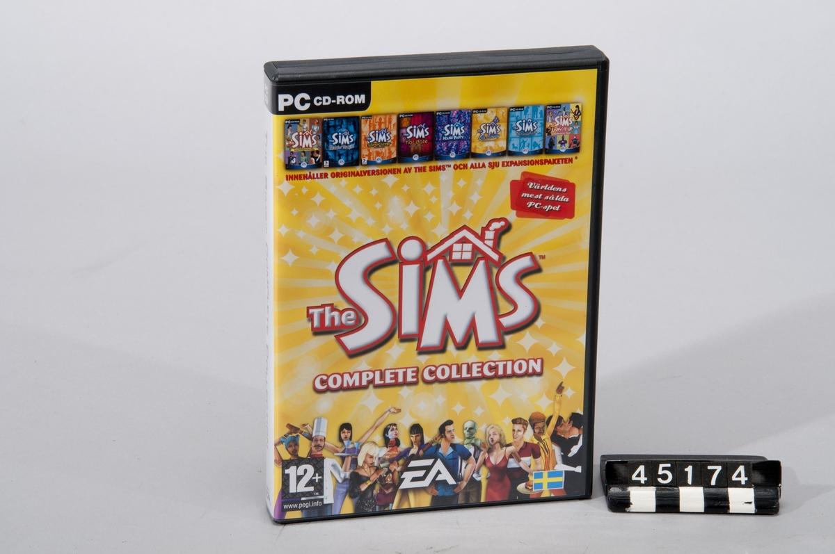 The Sims: Complete Collection 4 st CD-romskivor till PC. Anges på fordralet som världens mest sålda PC-spel. Spelet består av grundspelet the Sims, samt expansionspaketen Makin' Magic, Superstar, Hot Date, House Party, On Holiday, Unleashed och Livin' it up.