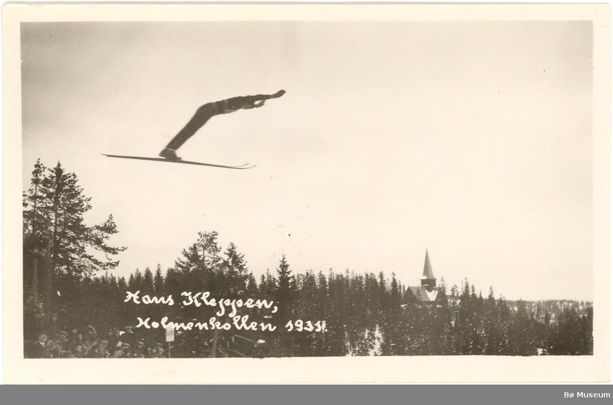 Hans Kleppen frå Bø i Telemark hoppar på ski i Holmenkollen