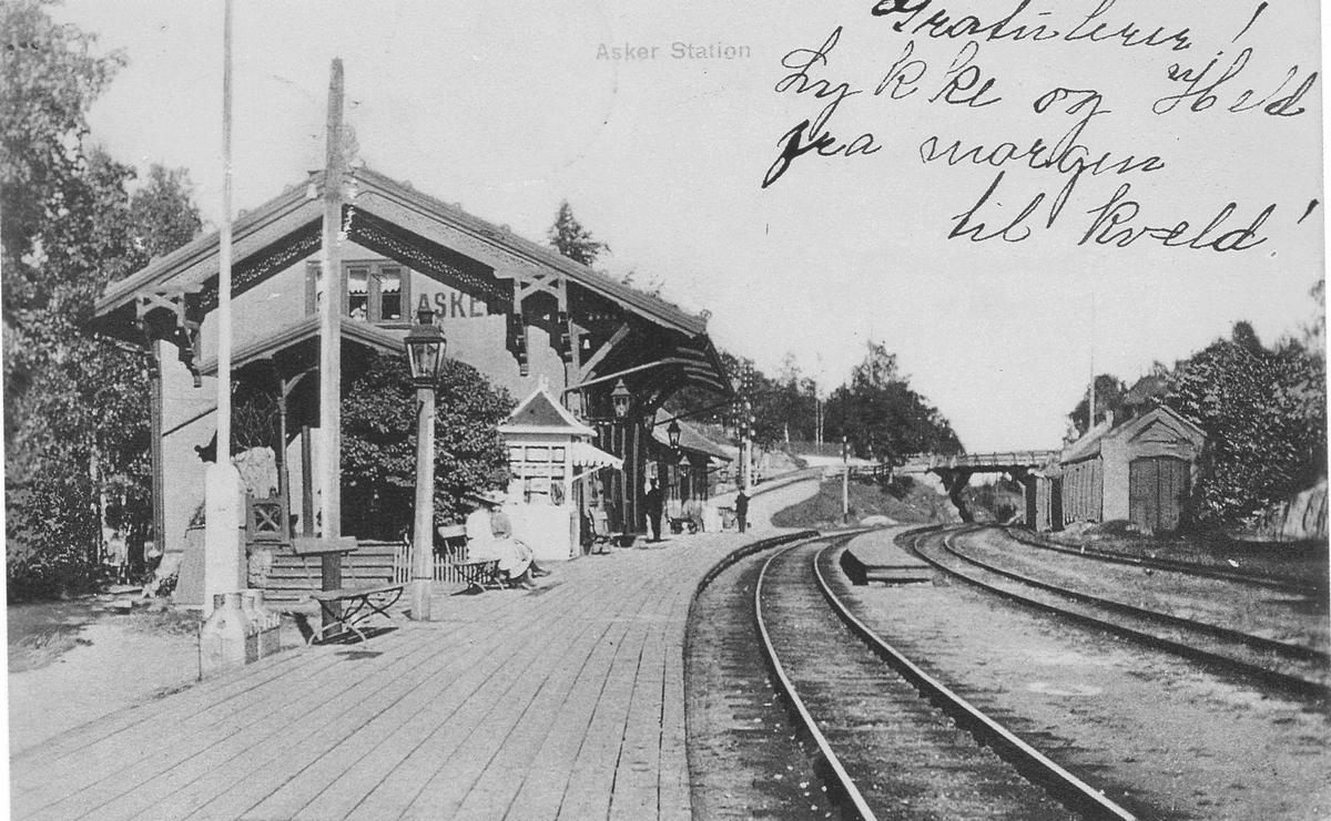 Asker jernbanestasjon.