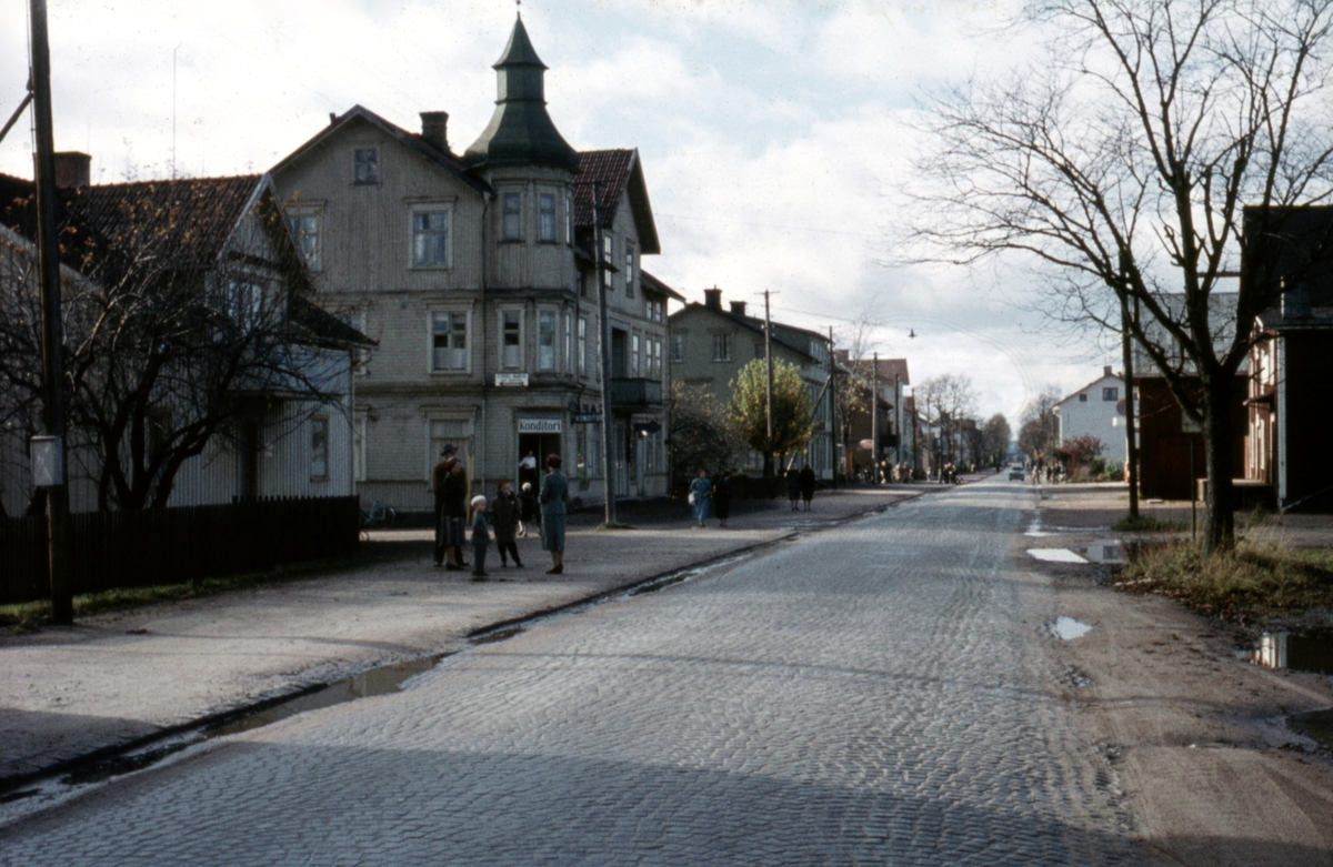 Kil i oktober 1957: Storgatan med Parkgatan till vänster.