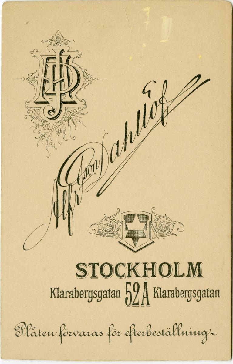 Porträtt av Ture Volmar Salomon Silfversparre, underlöjtnant vid Smålands grenadjärbataljon I 7. Se även AMA.0008617.