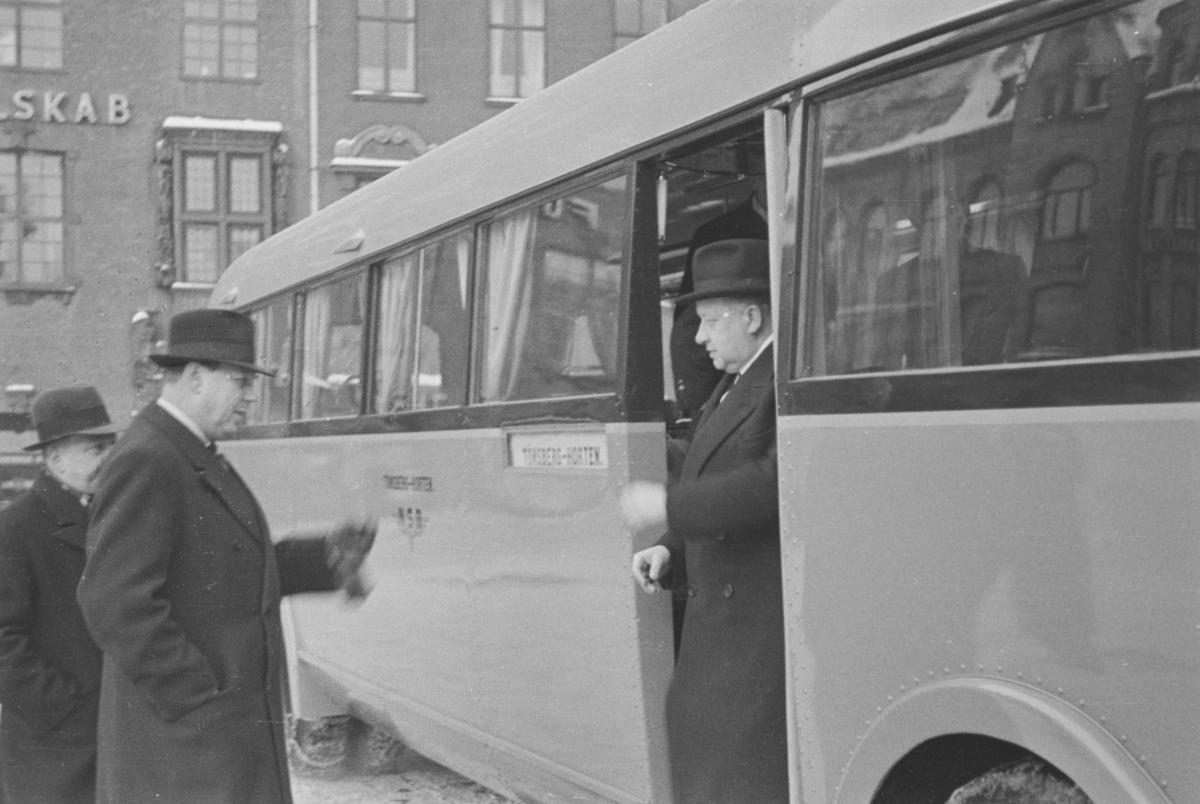 Fremvisning av nylevert buss til NSBs rute Tønsberg-Horten.