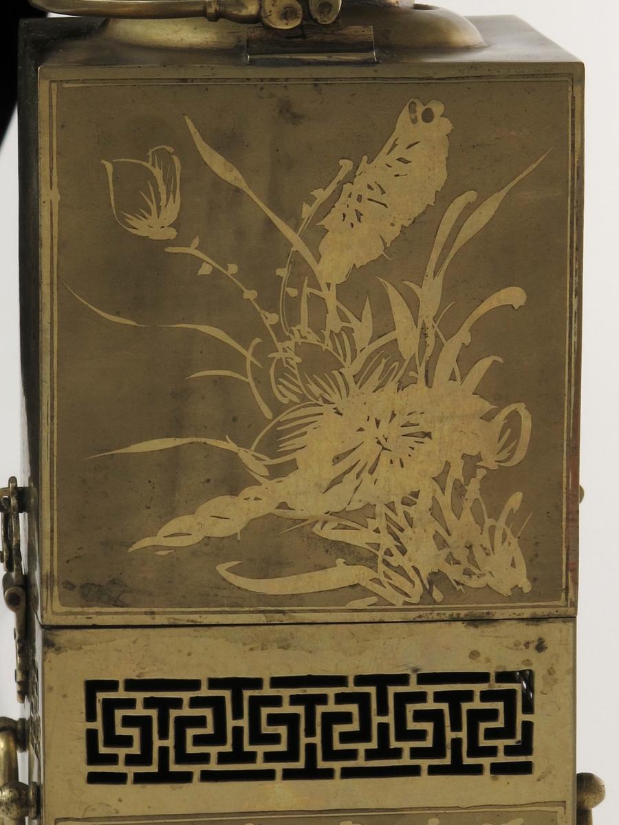 """""""Kineserier"""", blomster, kinesiske bokstaver"""