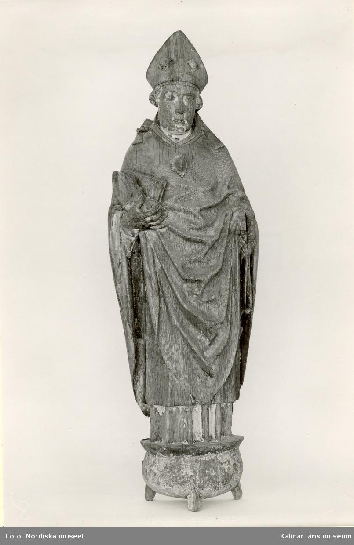 Skulptur, Erasmus, från Långemåla kyrka.  Foto Nordiska Museet