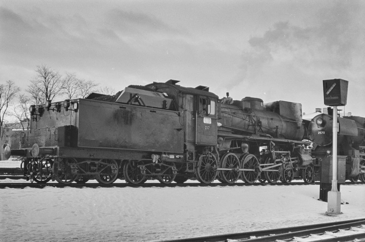 Damplokomotiv type 26a nr. 217 på Trondheim stasjon.