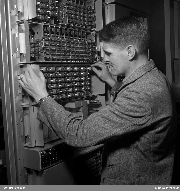 Telegrafverkets telexstation med personal.