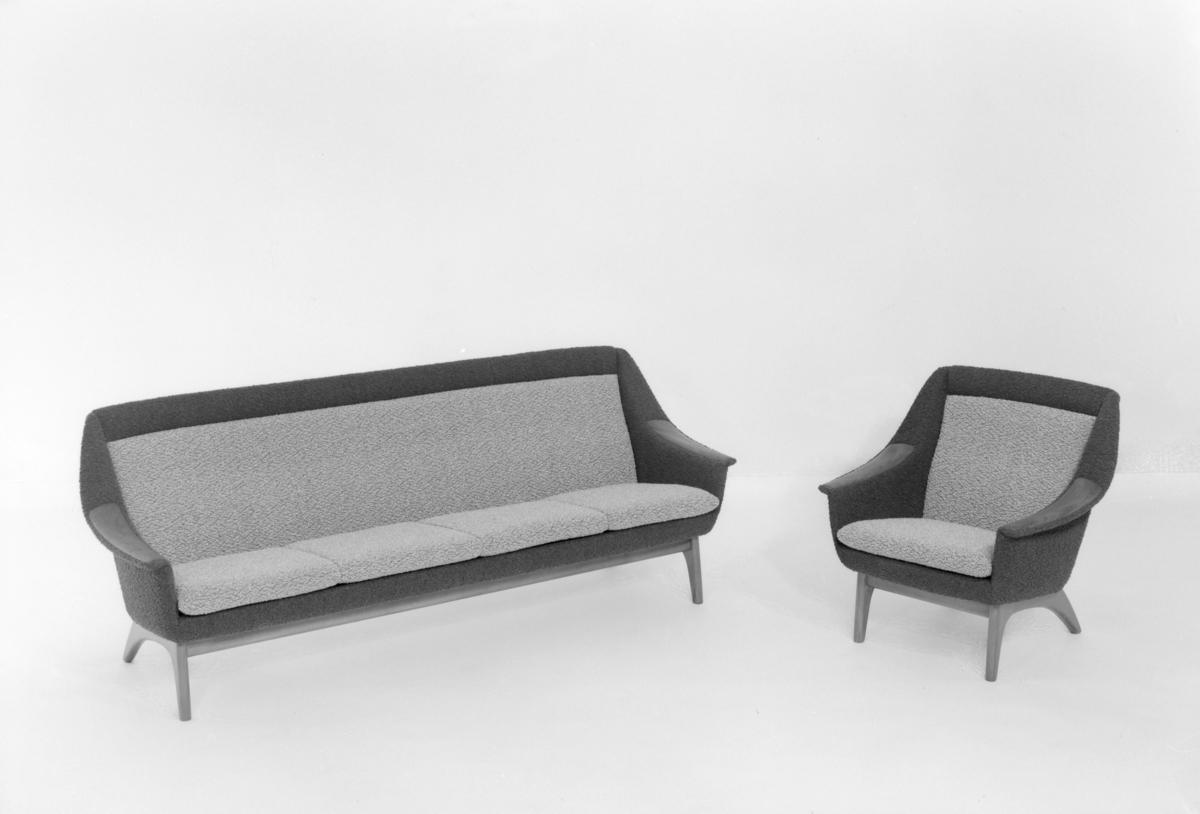 Sofa og lenestol.